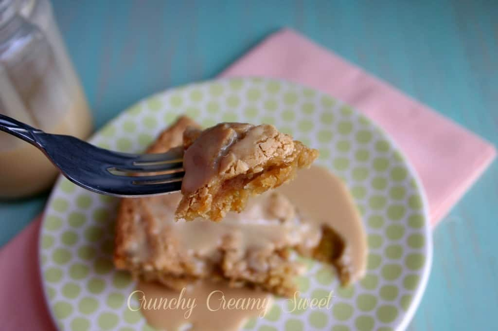 caramel apple blondie pie 4 Caramel Apple Blondie Pie