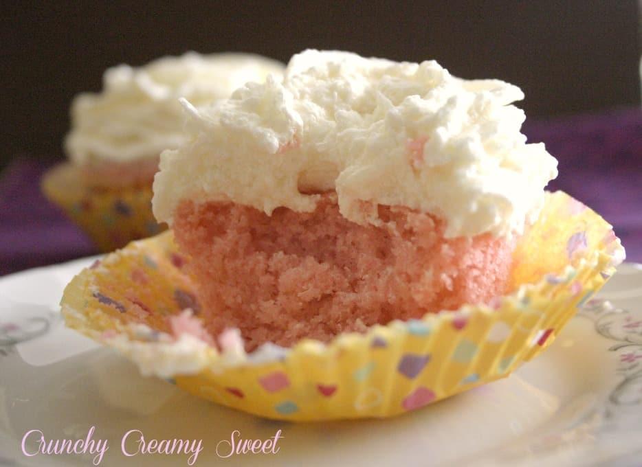 pink velvet cupcakes 1st Blogoversary! Pink Velvet Cupcakes