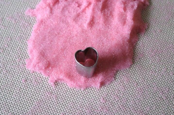 sugar hearts tut7 How To Make Sugar Hearts