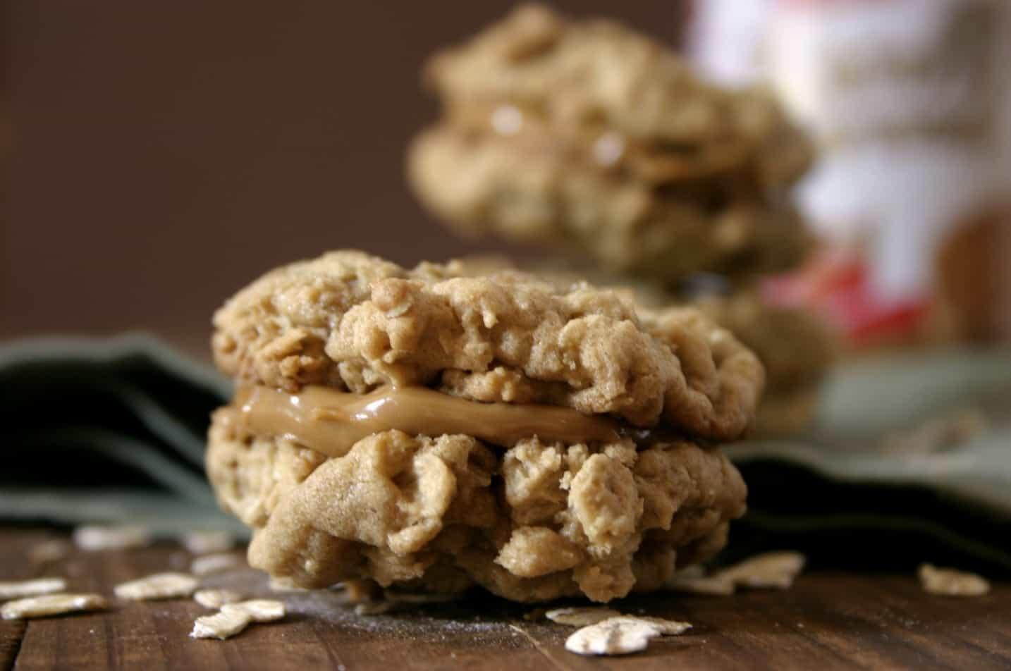 biscoff oatmeal cookies 4 1024x679 Biscoff Oatmeal Sandwich Cookies