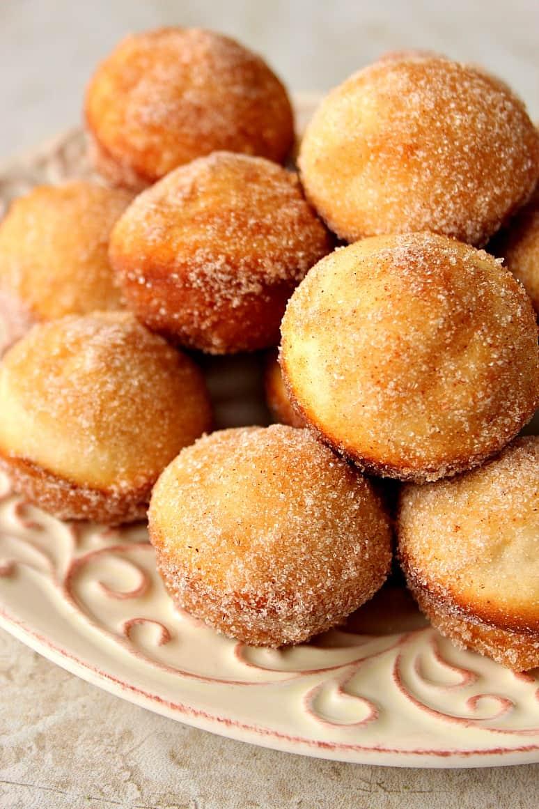 cinnamon sugar donut muffins 2 Cinnamon Sugar Mini Donut Muffins