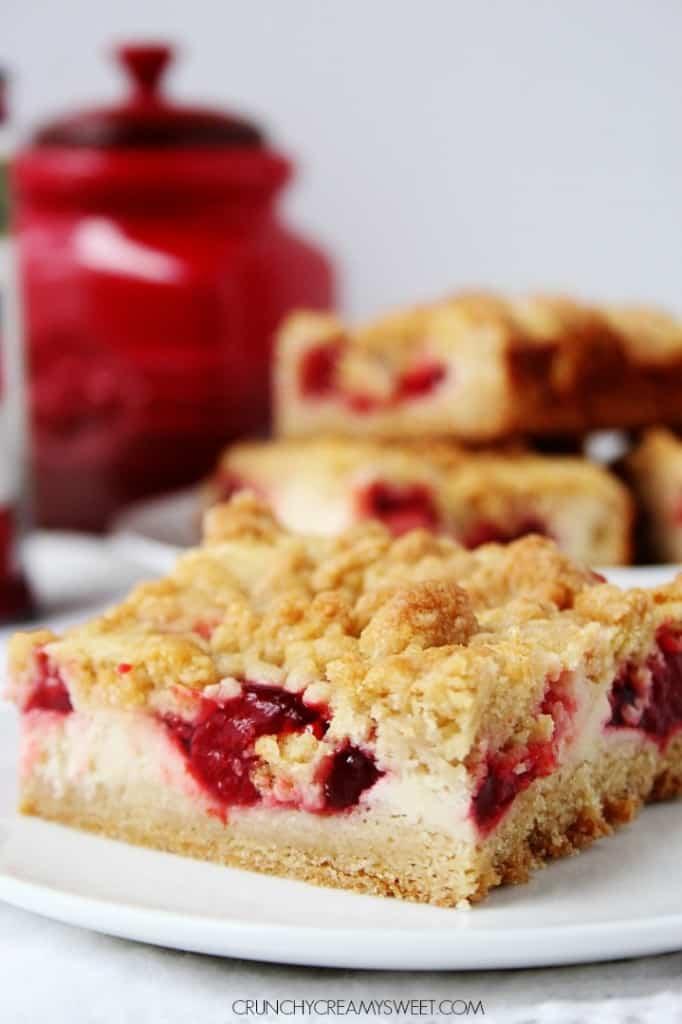 Strawberries and Cream Crumb Bars crunchycreamysweet.com  682x1024 Strawberry Pie Sour Cream Crumb Bars