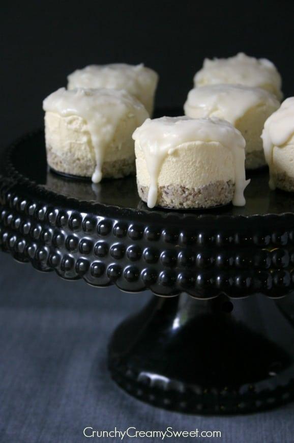 mini frozen cakes 6 Coconut Cream Mini Frozen Desserts with White Chocolate Magic Shell