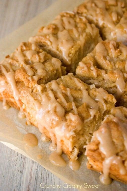 apple crumb bars 2 Caramel Apple Crumb Bars Recipe