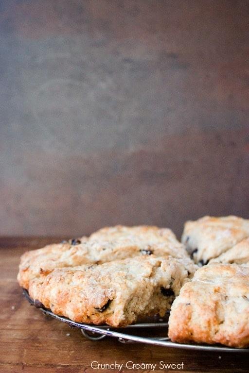 raisin scones 2 Brown Sugar Cinnamon Raisin Scones Recipe