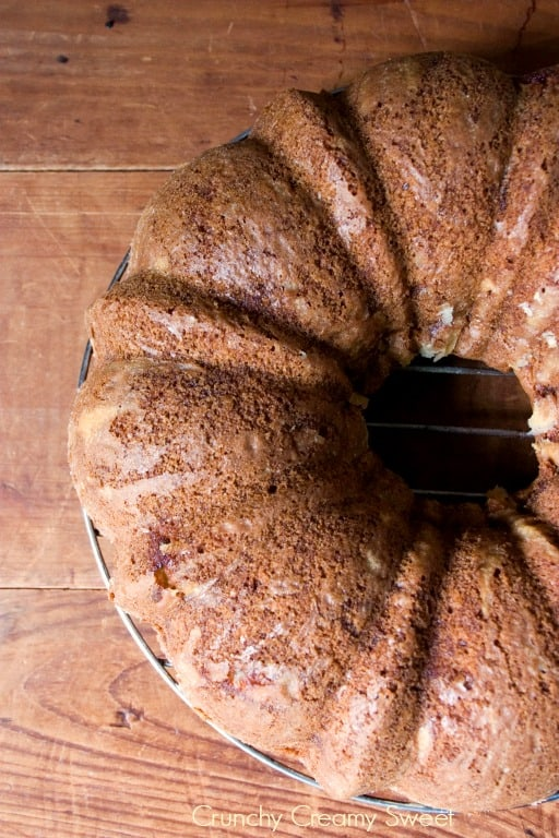 apple bundt cake 1 Apple Bundt Cake with Caramel Glaze Recipe