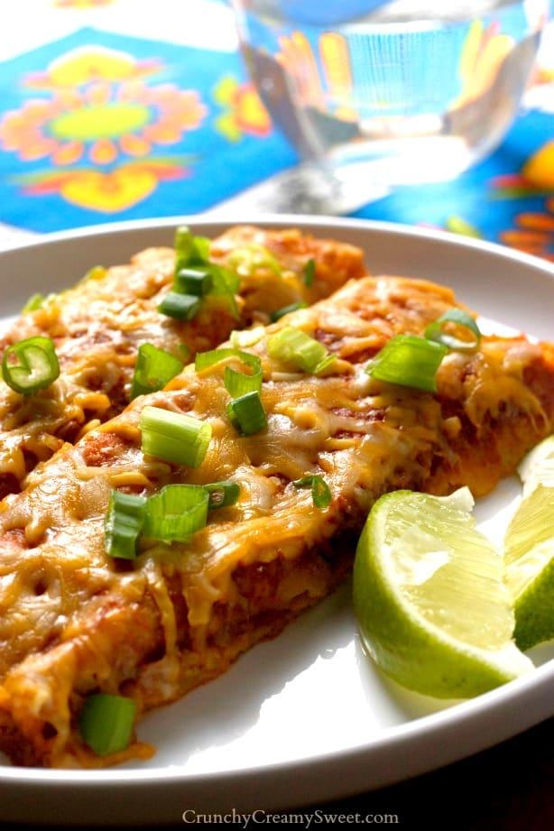 Quinoa Black Beans Enchiladas Recipe from crunchycreamysweet.com  5 Minute Blender Enchilada Sauce Recipe