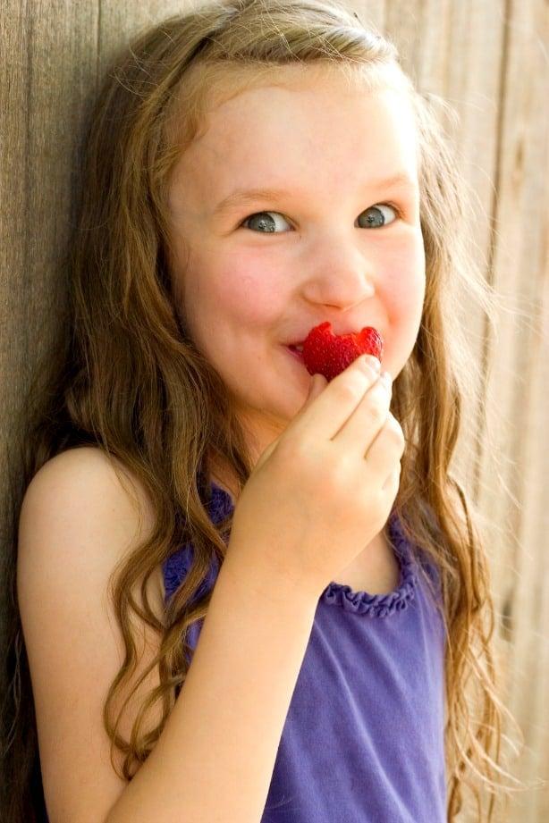 Kids love strawberries Lemon Strawberry Layer Cake Recipe