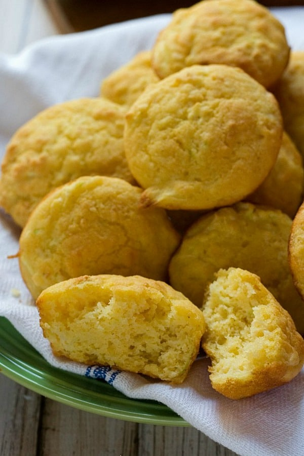 Zucchini Cornbread Muffins a Zucchini Cornbread Muffins