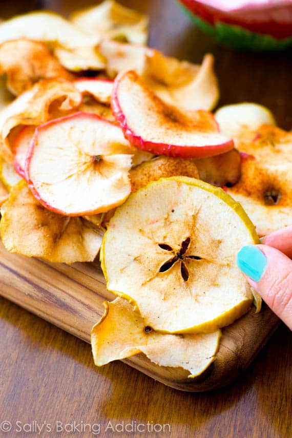 Baked Cinnamon Apple Chips Back to school Snack Ideas