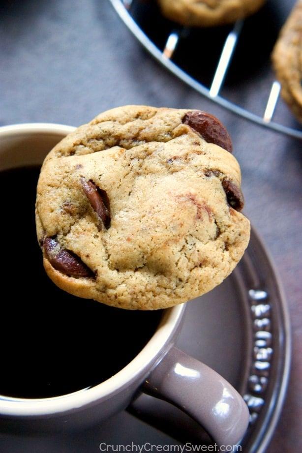 Coffee Chocolate Chunk Cookies from Crunchy Creamy Sweet blog Coffee Chocolate Chip Cookies
