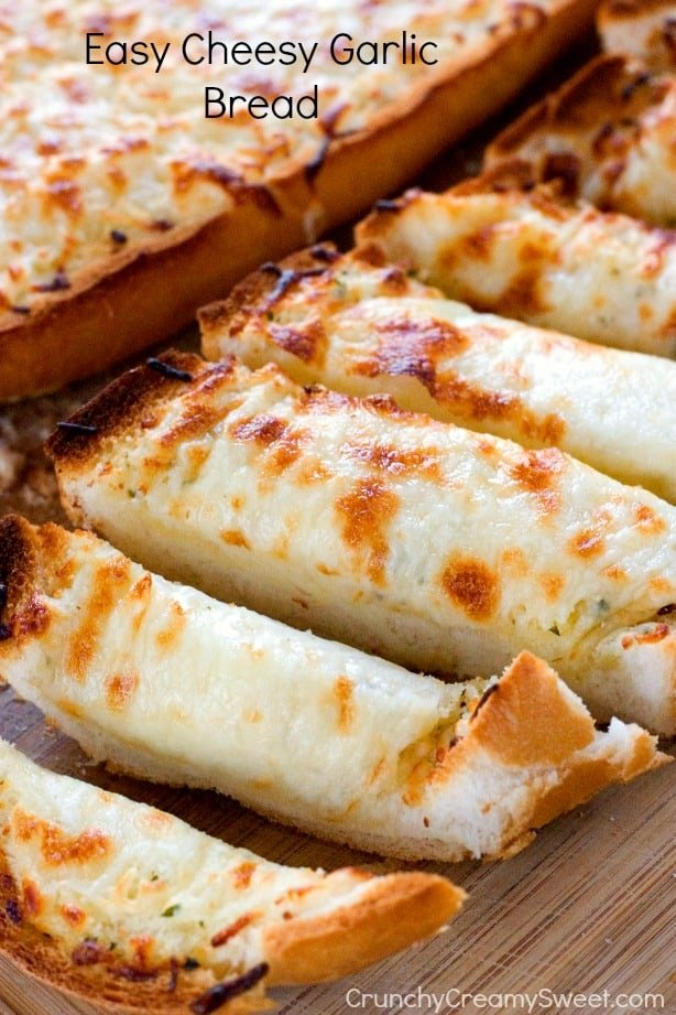 Easy Cheesy Garlic Bread by Crunchy Creamy Sweet blog Cheddar Bacon Ranch Dip