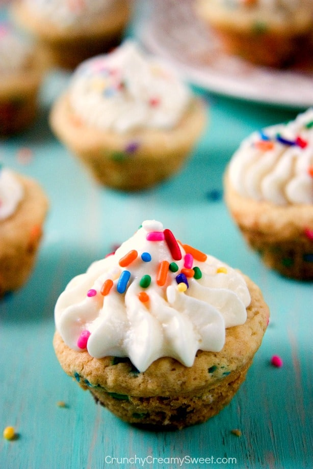Sugar Cookie Cups with Vanilla Frosting Funfetti Sugar Cookie Cups with Vanilla Frosting