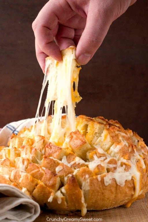 Easy Cheesy Garlic Pull Apart Bread Cheddar Bacon Ranch Dip