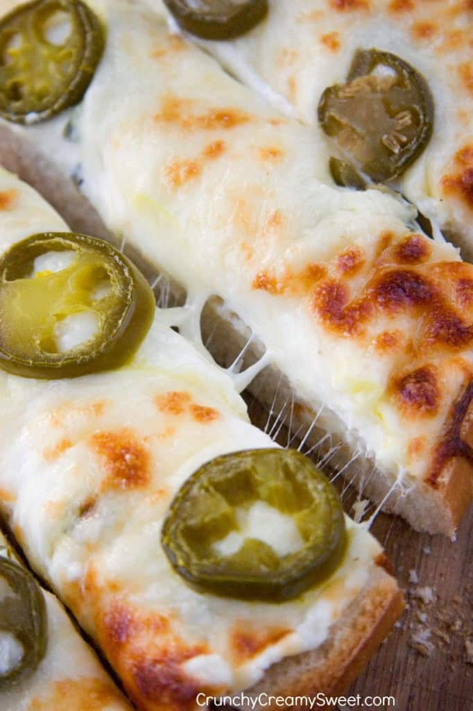 Jalapeno Popper Cheesy Garl 682x1024 Easy Cheesy Pull Apart Bread