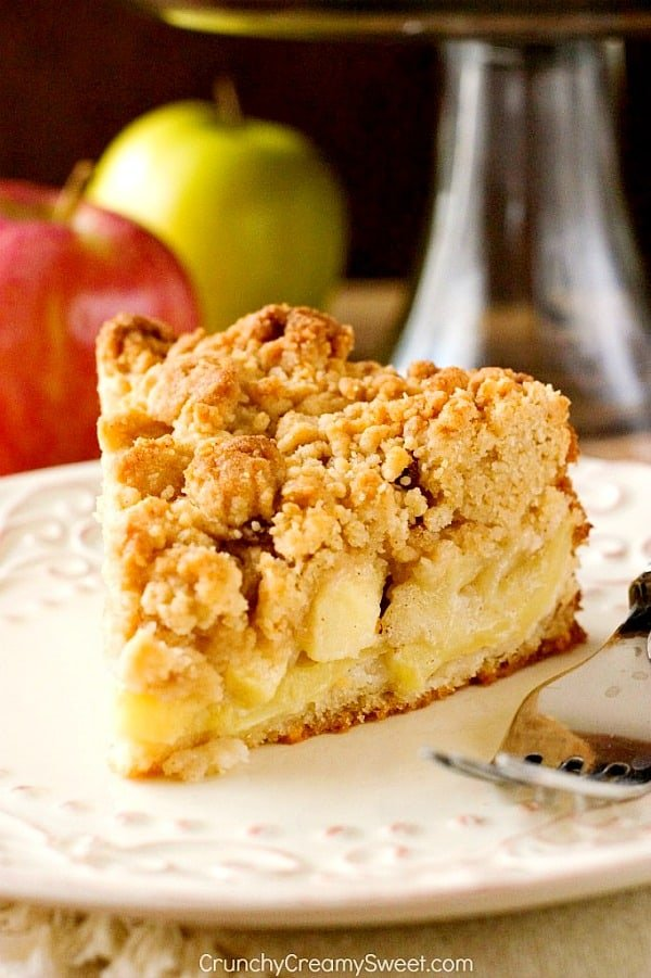 The Best Apple Crumb Cake Crunchy Creamy Sweet