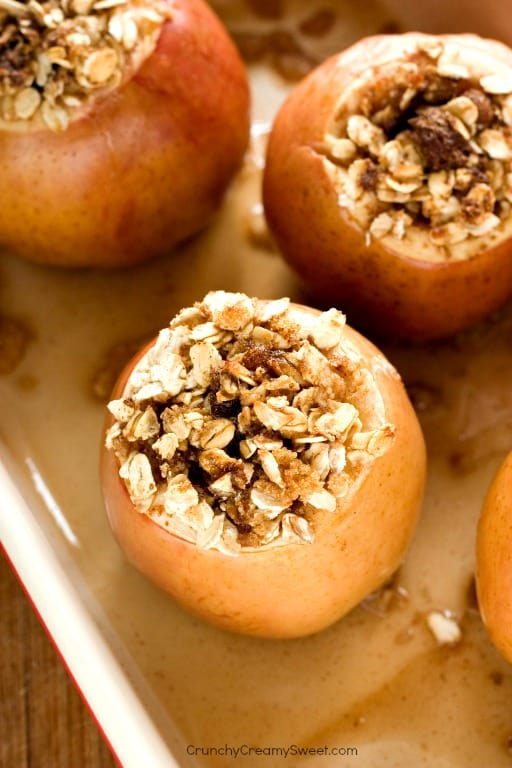 Super easy and absolutely delicious baked apples Favorite Thanksgiving Recipes Round Up