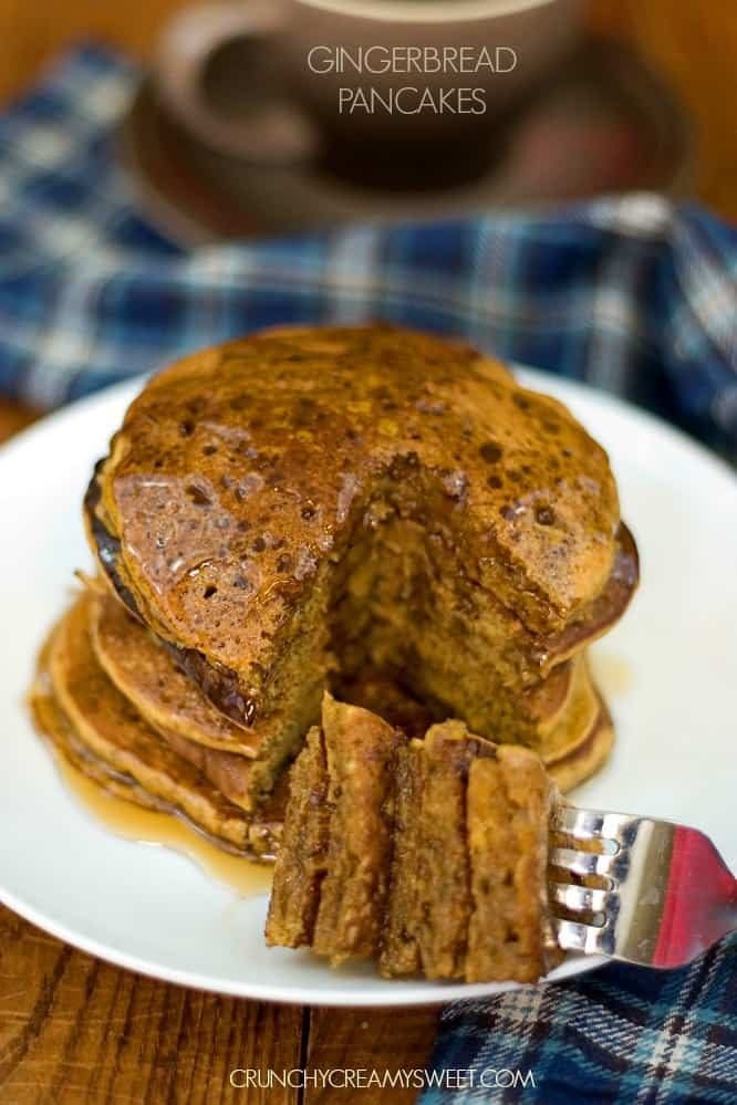 Fluffy Gingerbread Pancakes from CrunchyCreamySweet.com Fluffy Gingerbread Pancakes