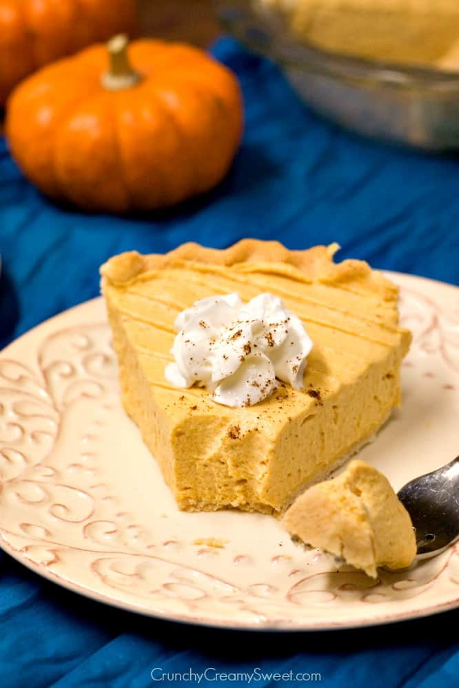 Pumpkin Mousse Pie no bake pie that everyone will love Pumpkin Mousse Pie