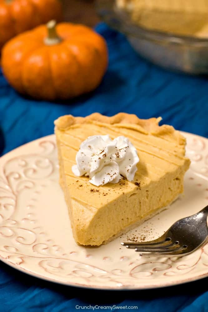 Pumpkin Mousse Pie pumpkin dessert for Thanksgiving Favorite Thanksgiving Recipes Round Up