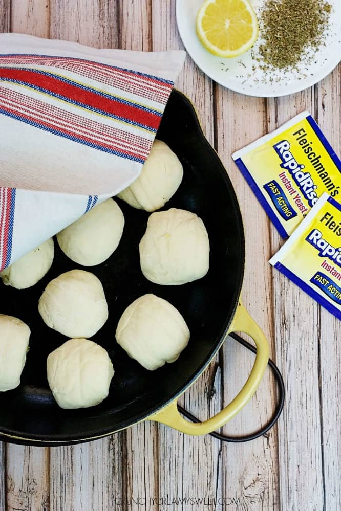 Dinner rolls ready to rise Easy Skillet Dinner Rolls with Citrus and Herbs