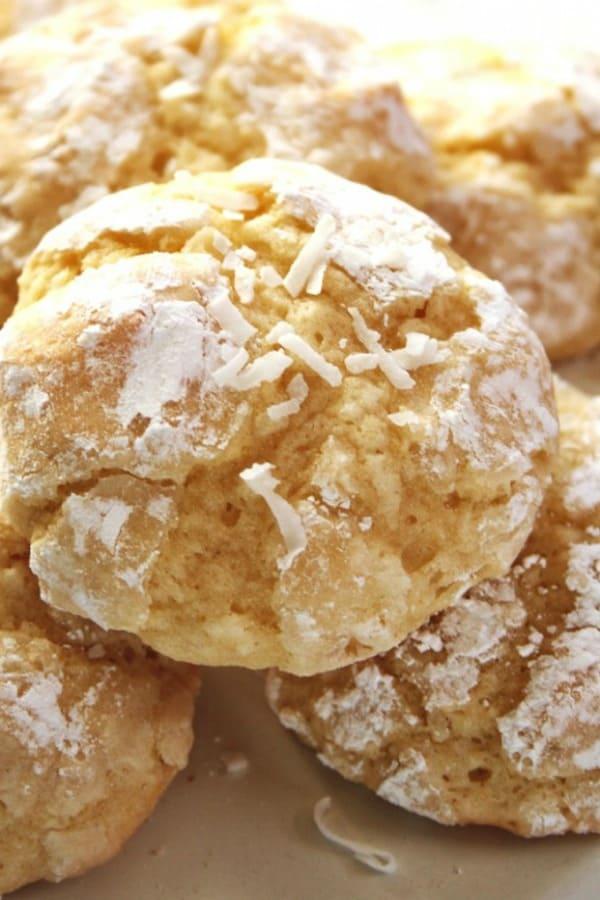 Coconut Crinkle Cookies a Coconut Crinkle Cookies