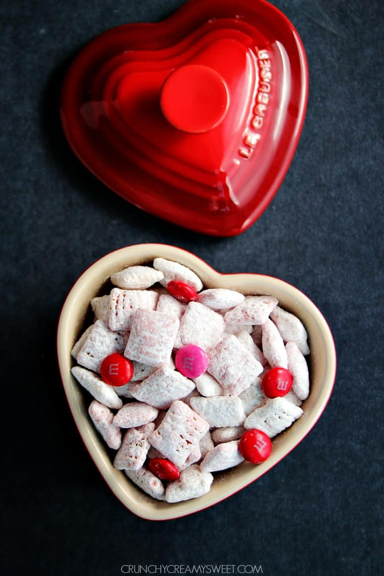 Valentines Day Puppy Chow with MMs Valentines Day Puppy Chow + Free Printable
