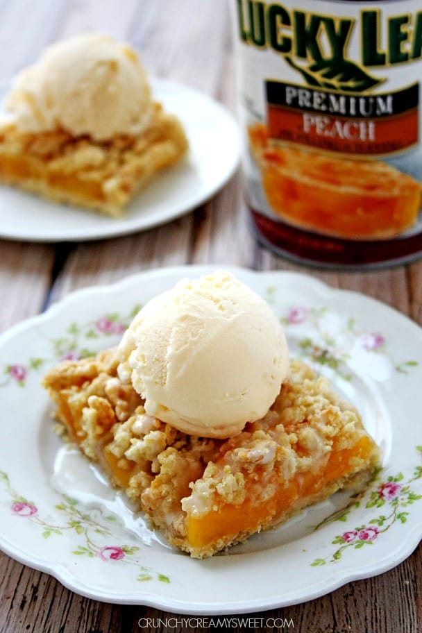 Peach Crumb Bars a la Mode crunchycreamysweet.com Peaches and Cream Bars a la Mode