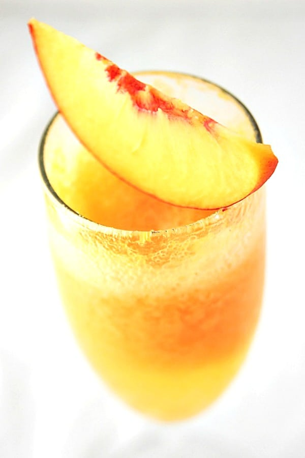 Frozen Peach Bellini a Frozen Peach Bellini