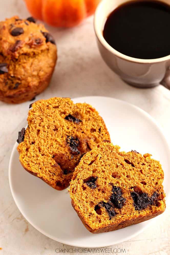 Bakery Style Chocolate Chunk Pumpkin Muffins - jumbo pumpkin muffins ...