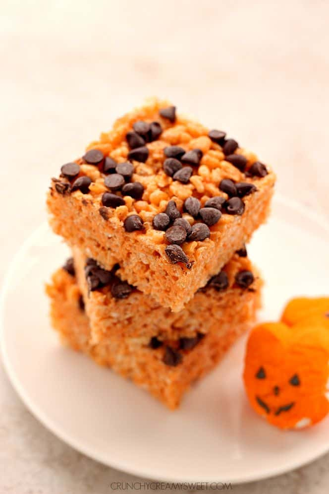 pumpkin spice rice krispies 2 Pumpkin Spice Rice Krispies Treats