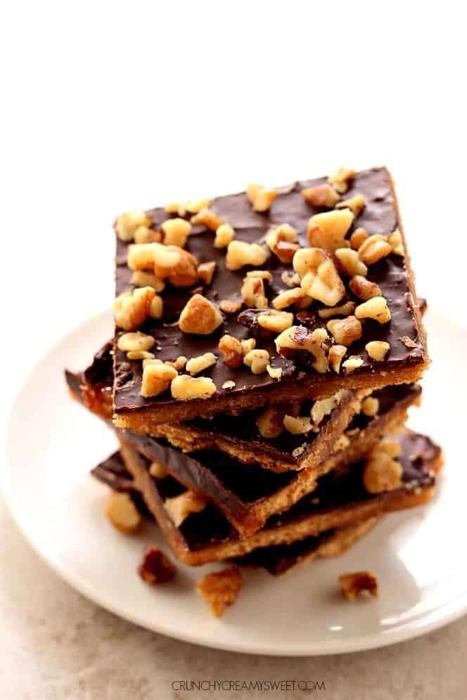 graham cracker toffee 2 Graham Cracker Toffee Bark