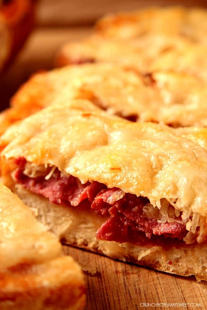 reuben cheesy bread 1 Easy Reuben Cheesy Bread