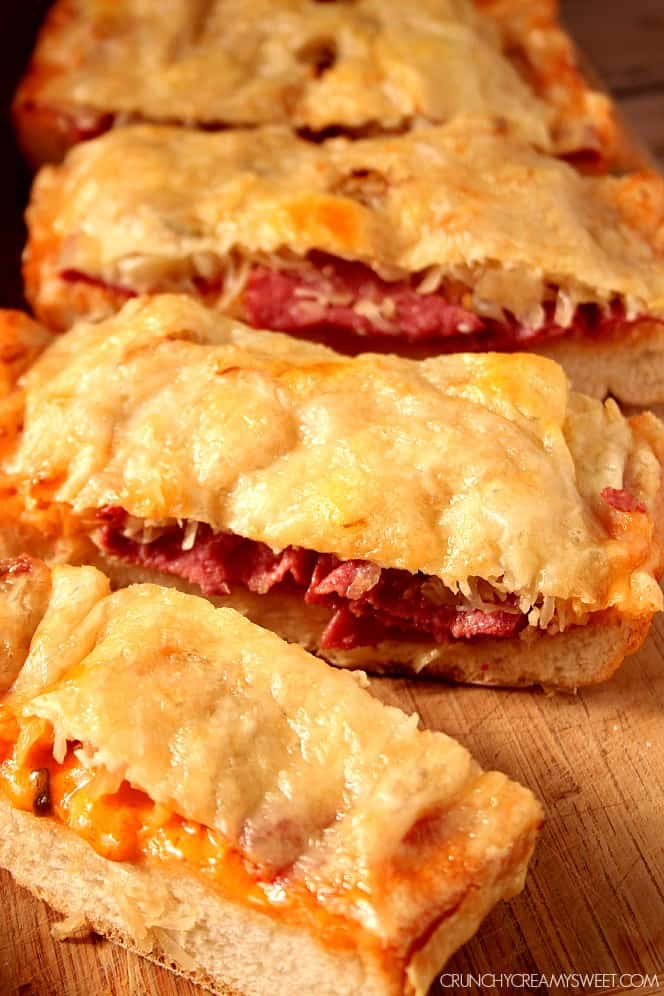 Reuben Cheesy Bread - the classic Reuben sandwich gets a cheesy bread ...