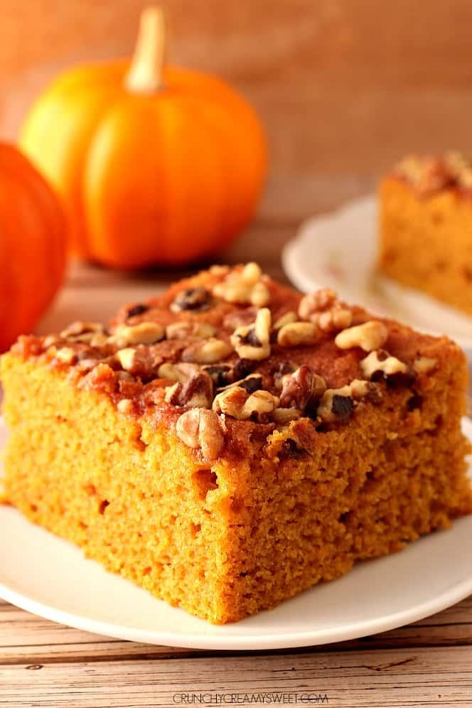 snickerdoodle pumpkin cake 2 Snickerdoodle Pumpkin Cake