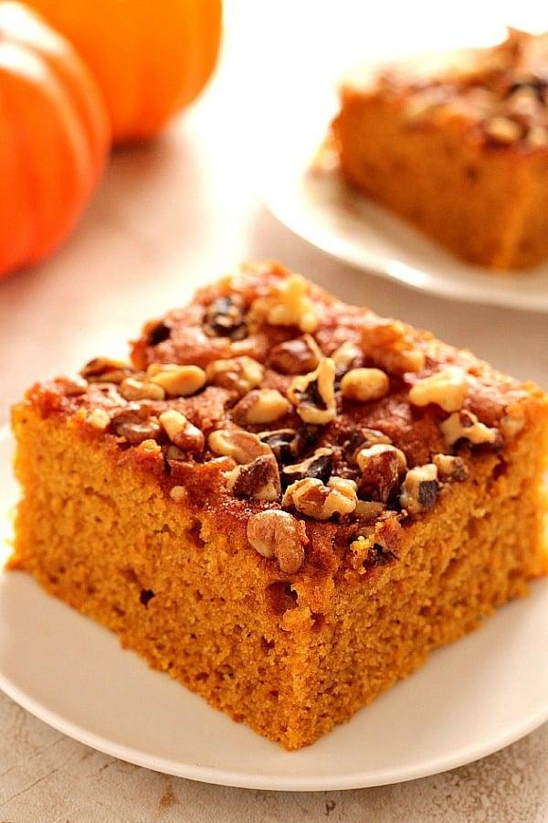 snickerdoodle pumpkin cake a Snickerdoodle Pumpkin Cake
