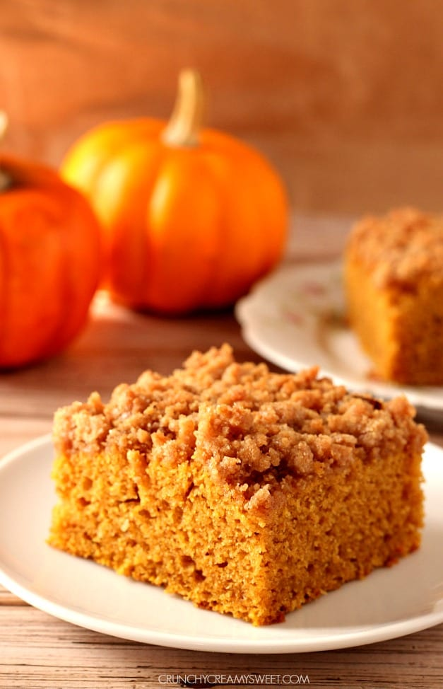 the best pumpkin crumb cake 3 The Best and Easy Holiday Dinner Recipes
