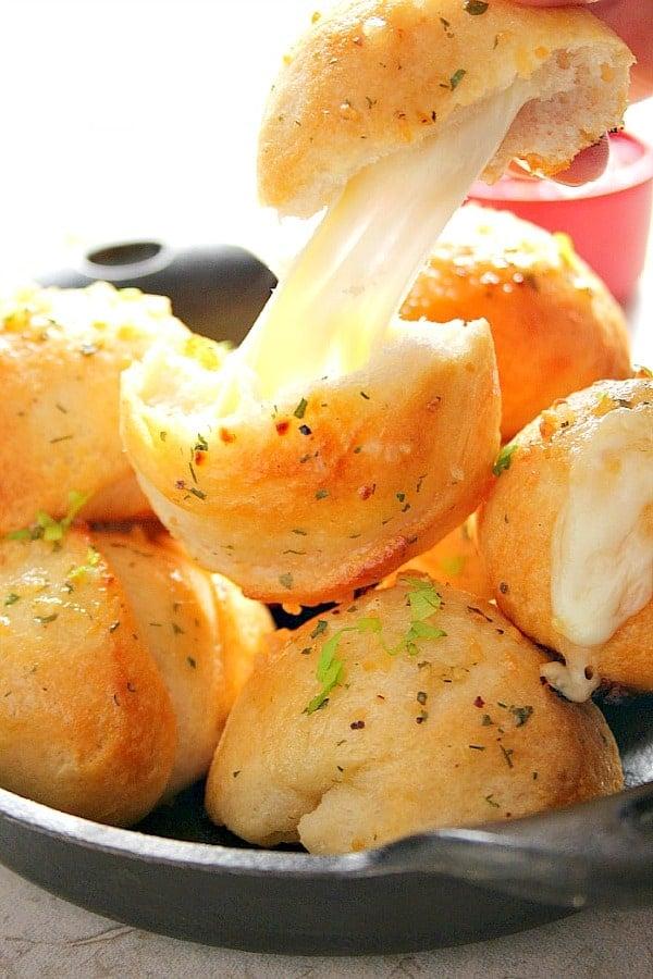 garlic cheese bombs A Easy Garlic Cheese Bombs Recipe