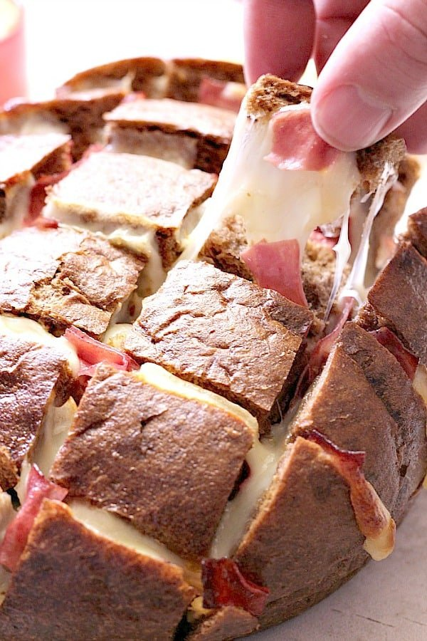 reuben pull apart bread a Easy Cheesy Reuben Pull Apart Bread Recipe
