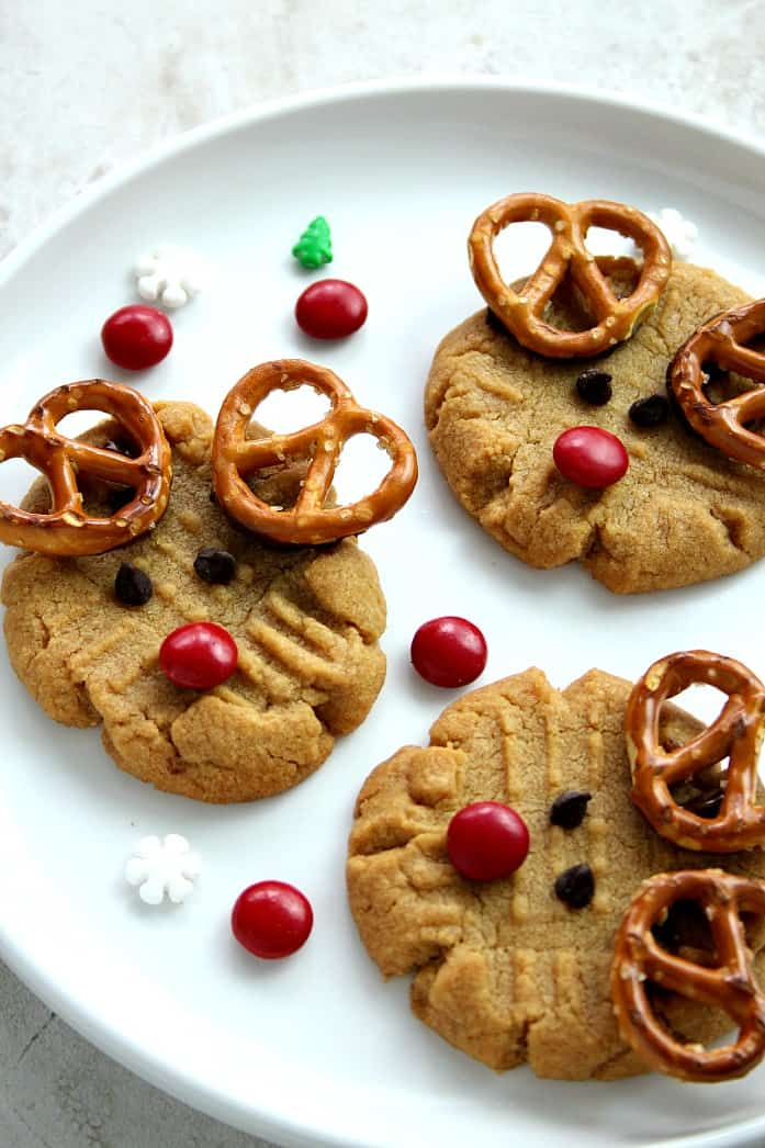 rudolph cookies1 Easy Chocolate Caramel Pretzel Bites Recipe Card