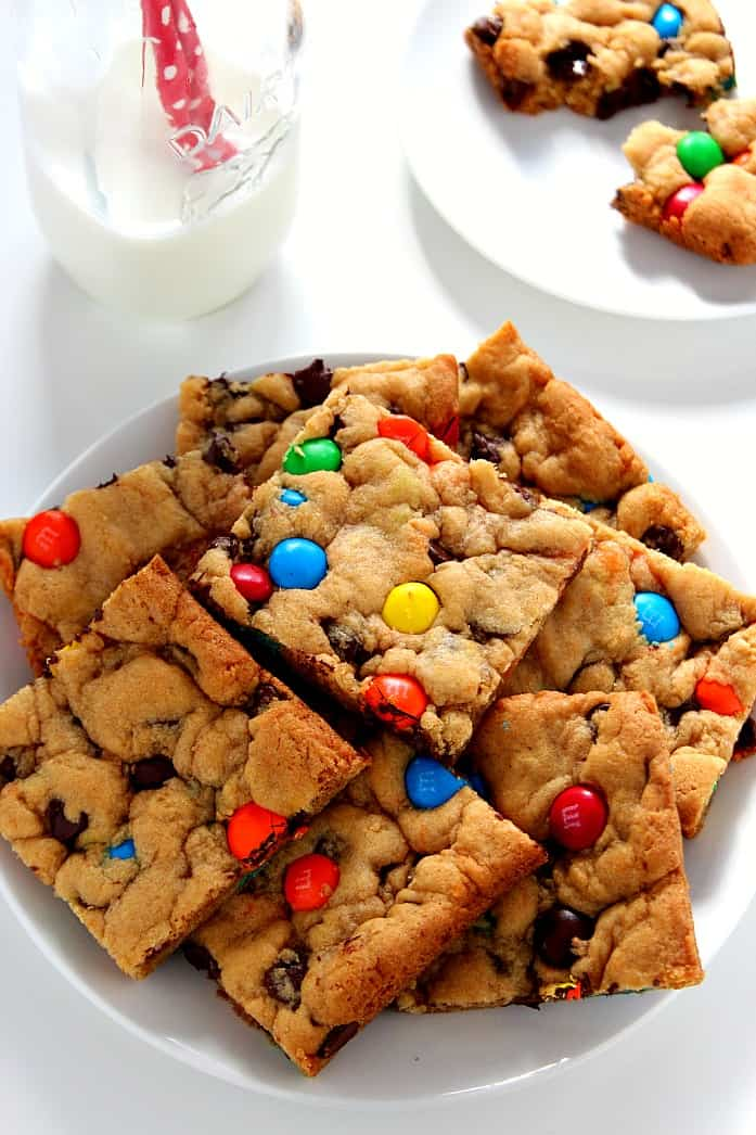 cookie bars 2 M&M Chocolate Cookie Bars Recipe