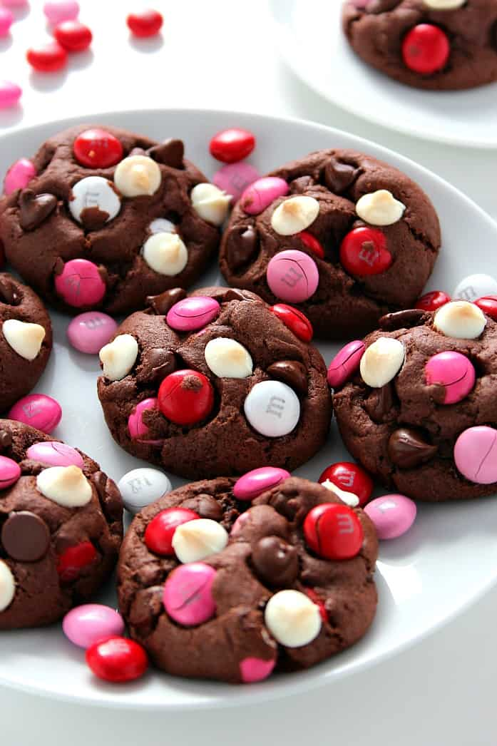vday cookies 1 Double Chocolate M&M Cookie Bars Recipe