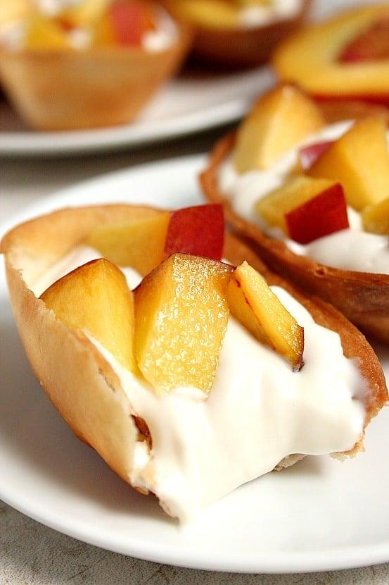 peaches and cream dessert boats 2 Peaches and Cream Dessert Taco Boats Recipe