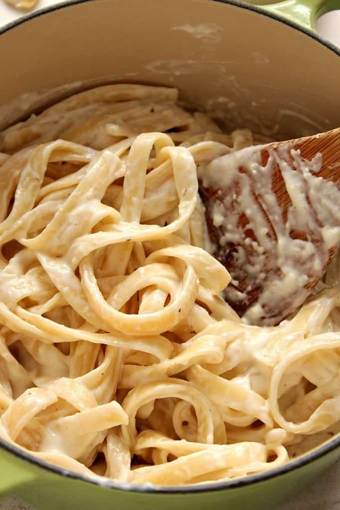 alfredo sauce 1 682x1024 Homemade Alfredo Sauce Recipe