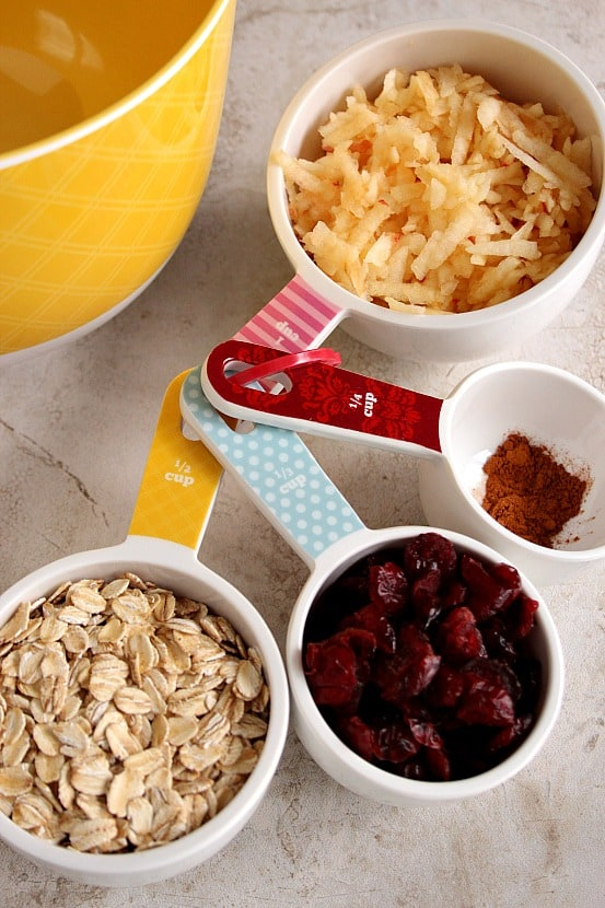 apple muffins 1 Apple Oat Cranberry Muffins Recipe