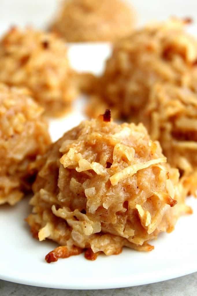 pumpkin spice coconut macaroon cookies 1 682x1024 Pumpkin Spice Coconut Macaroon Cookies Recipe