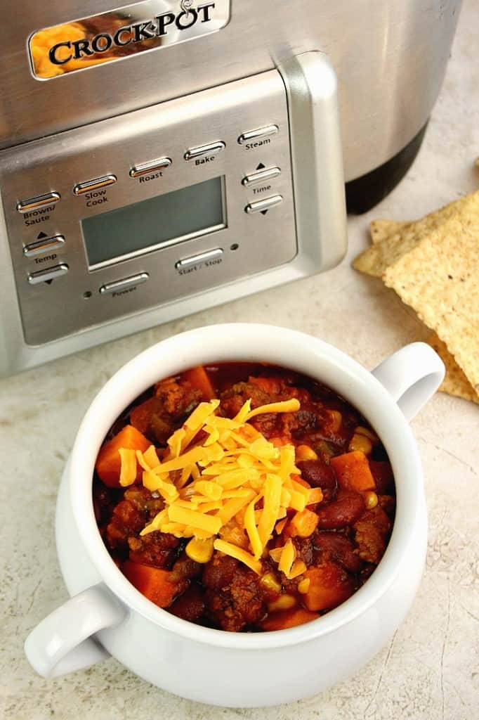 slow cooker chili 2 682x1024 Southwestern Crock Pot® Chili with Sweet Potatoes Recipe