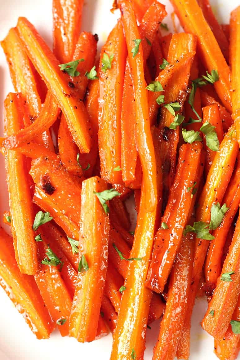 brown sugar garlic roasted carrots 2 Brown Sugar Roasted Carrots Recipe