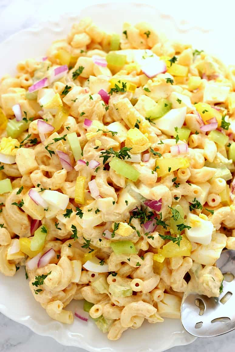 deviled egg macaroni salad 1 Deviled Egg Macaroni Salad Recipe