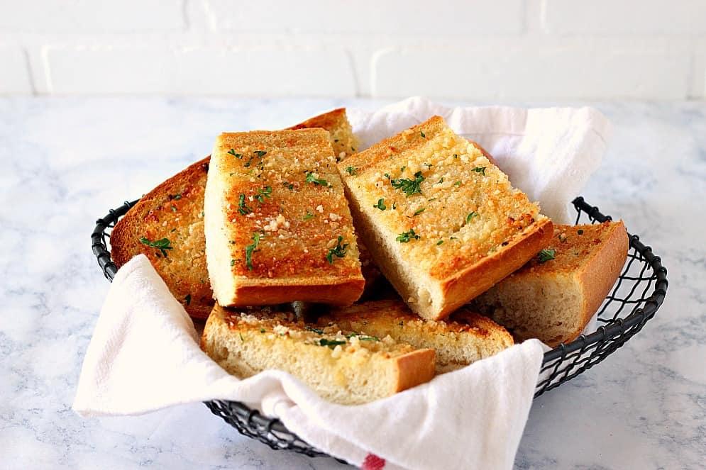garlic bread 5 Easy Garlic Bread Recipe